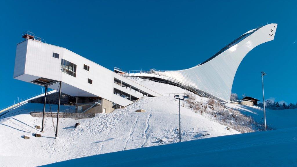 Garmisch-Partenkirchen Ski Resort which includes snow, snow boarding and snow skiing