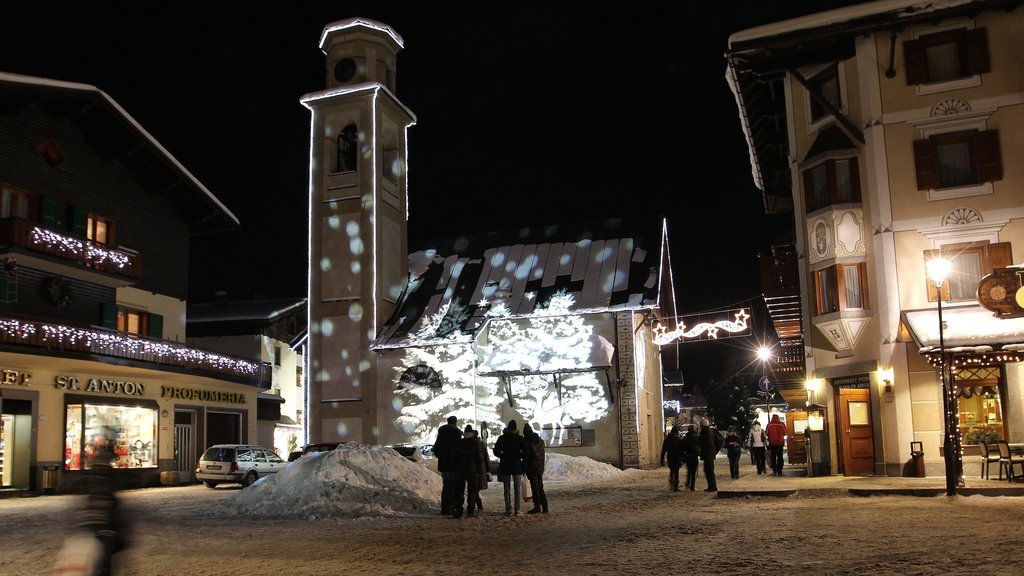 Livigno featuring a small town or village, a square or plaza and night scenes