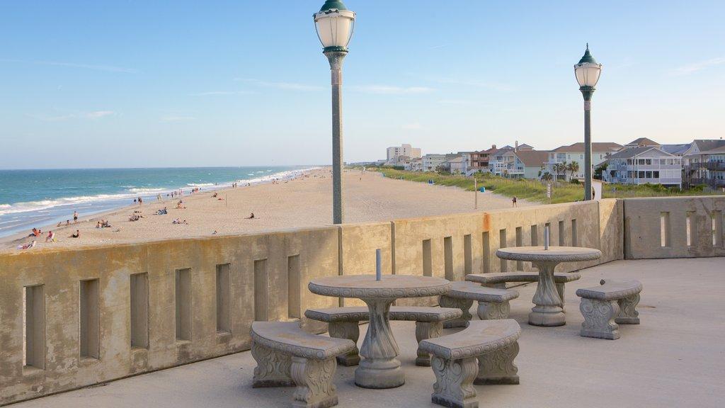 Wrightsville Beach mostrando una playa de arena, vistas generales de la costa y una ciudad costera