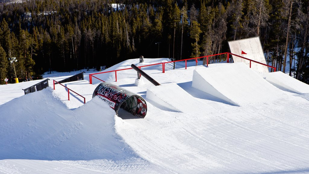 Keystone Ski Resort which includes snow skiing, snow and snow boarding