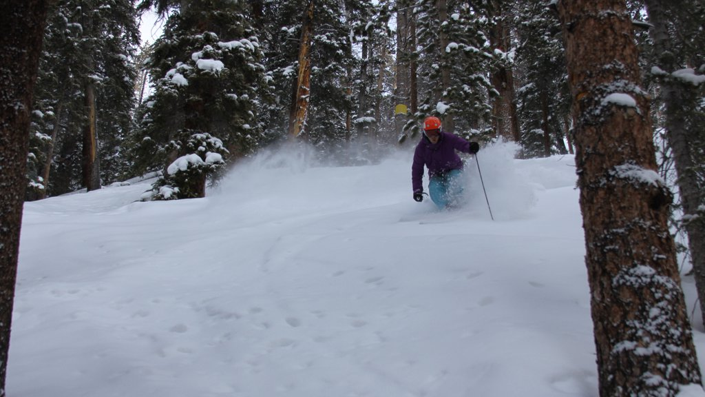 Keystone Ski Resort which includes snow skiing, snow and tranquil scenes