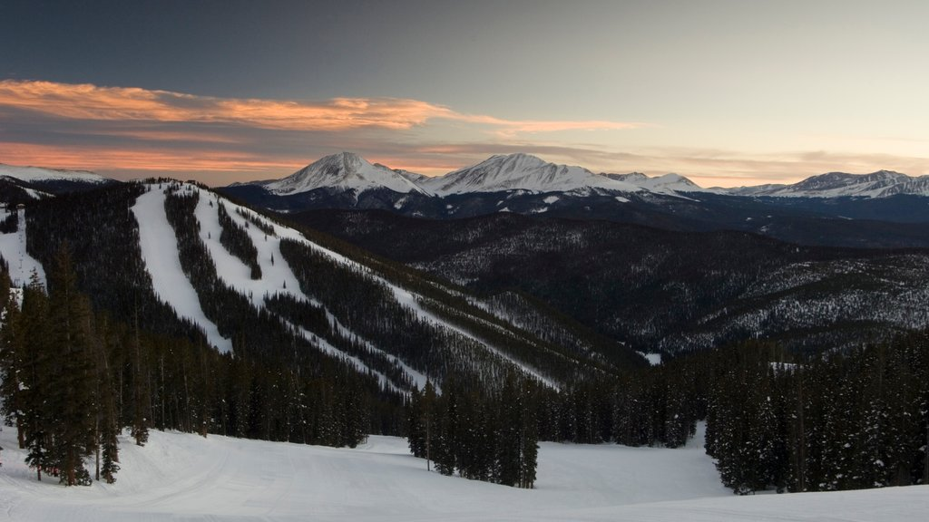 Keystone Ski Resort which includes forest scenes, snow and mountains