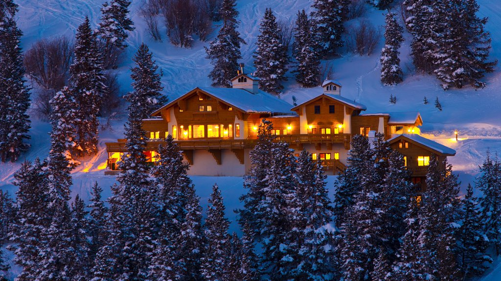 Vail Ski Resort showing a luxury hotel or resort and night scenes
