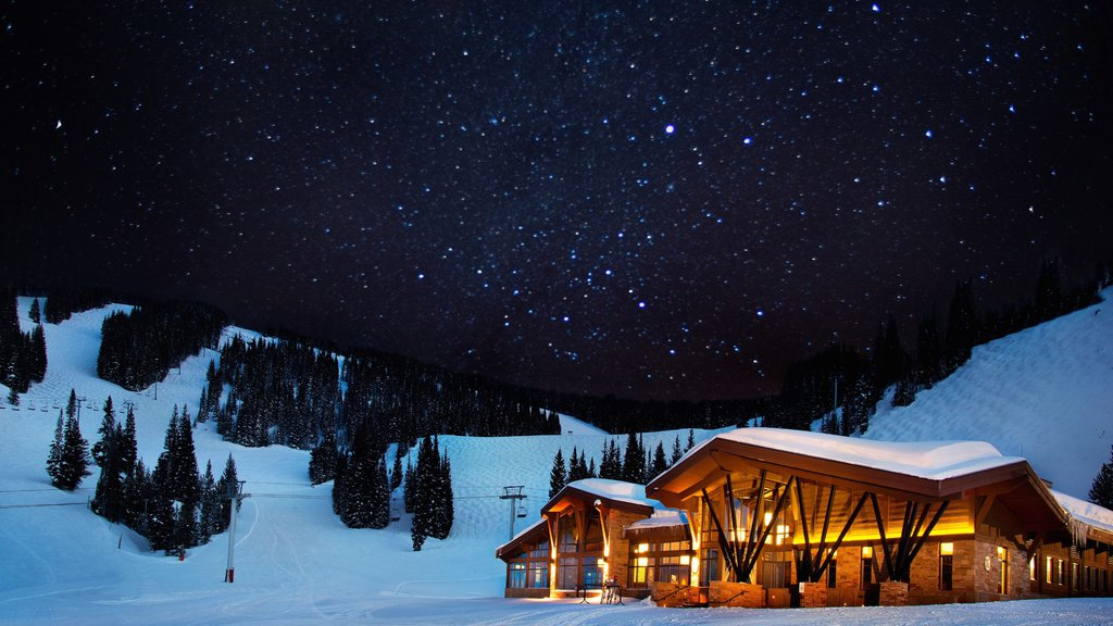 Vail Ski Resort showing snow, a luxury hotel or resort and night scenes