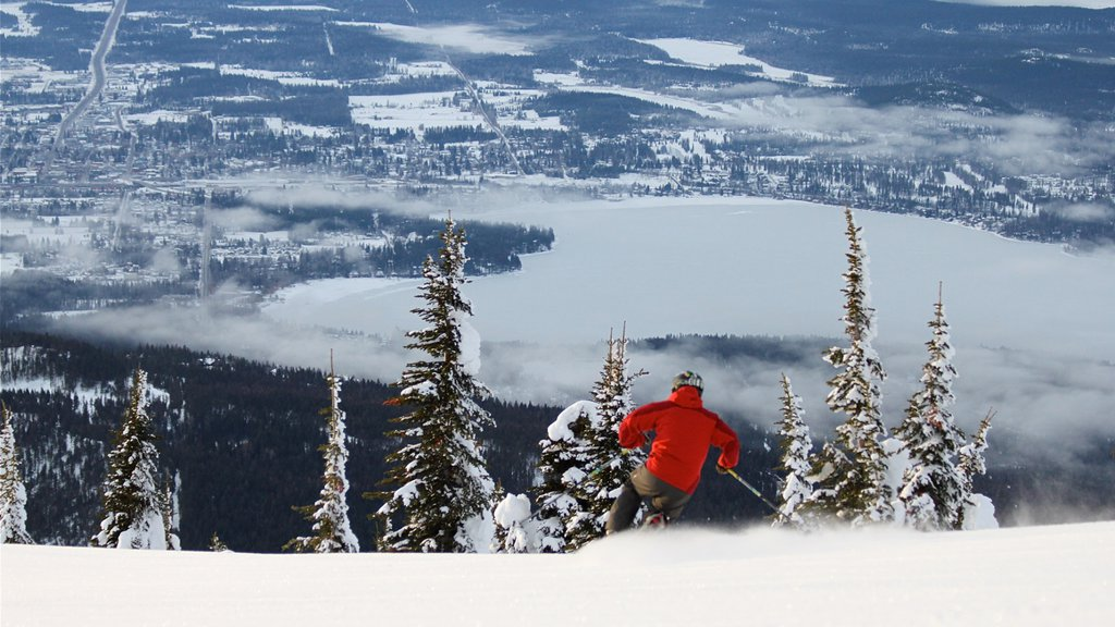 Whitefish Mountain Ski Resort showing landscape views, snow skiing and snow