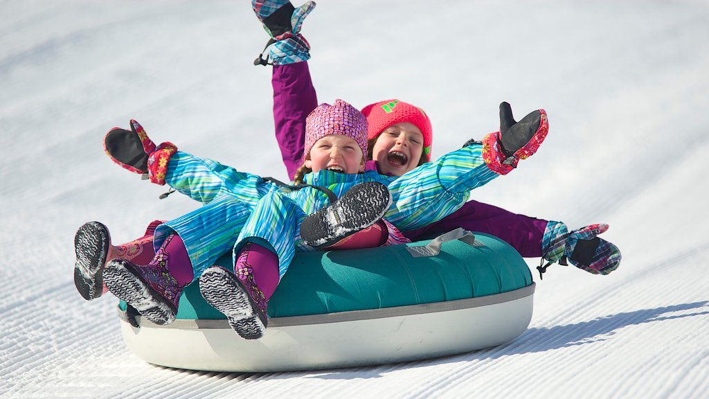 Okemo Valley Golf Club featuring snow and snow tubing as well as children