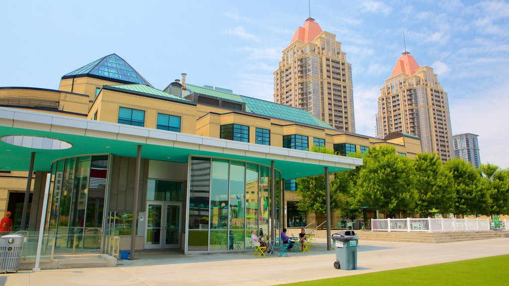 Mississauga Civic Centre showing modern architecture