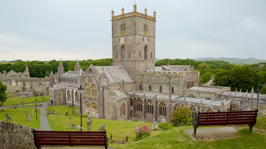St Davids showing heritage elements, a cemetery and a church or cathedral