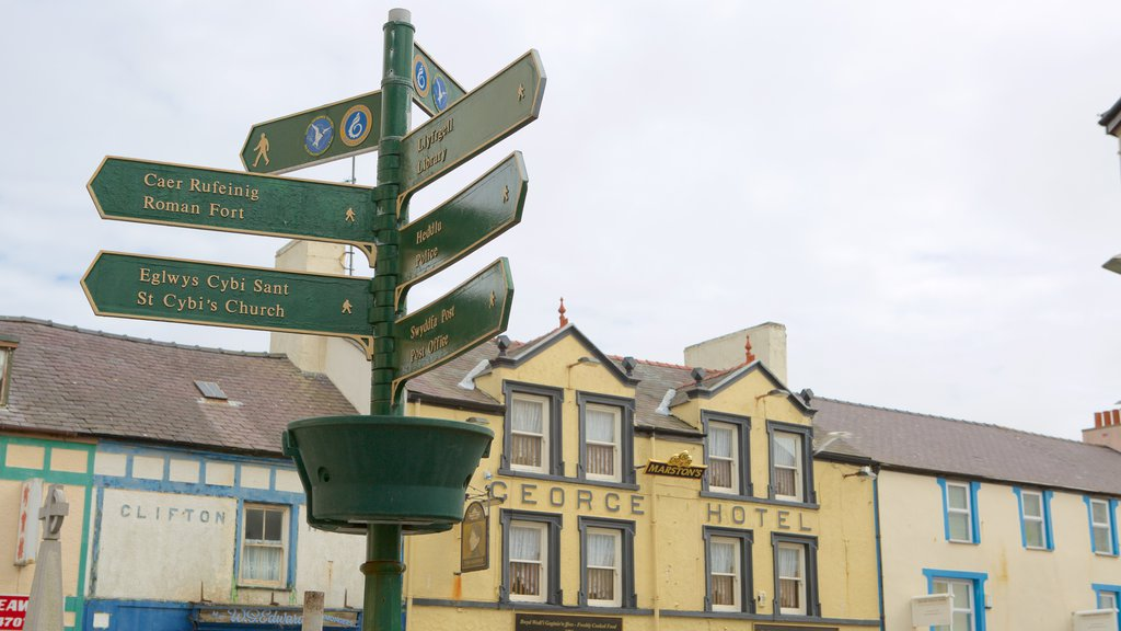 Holyhead showing a small town or village and signage