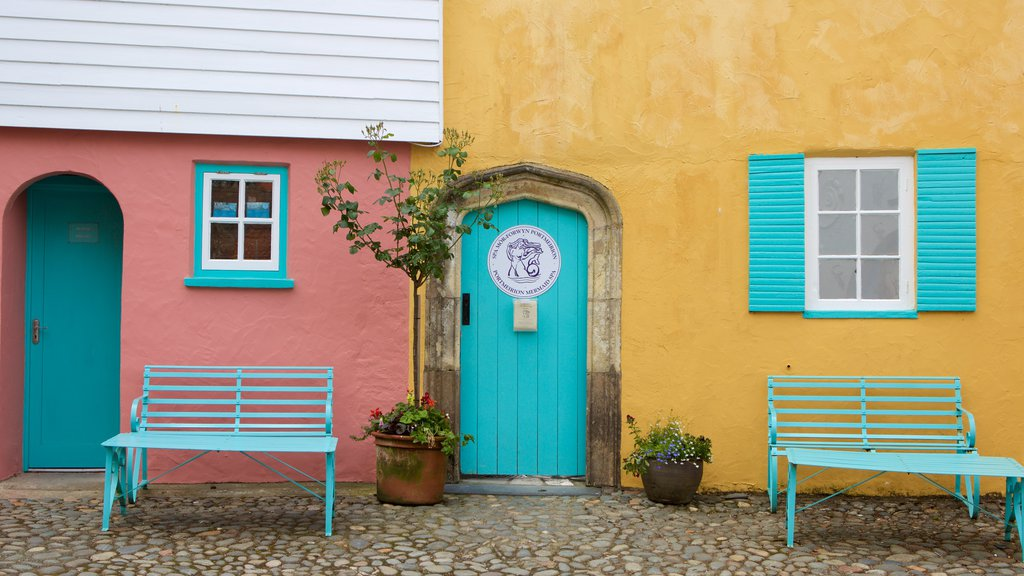 Portmeirion showing street scenes