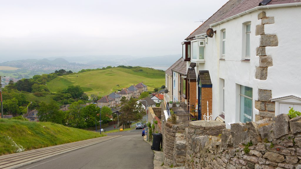 Great Orme which includes street scenes