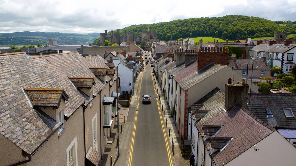 Conwy featuring a small town or village