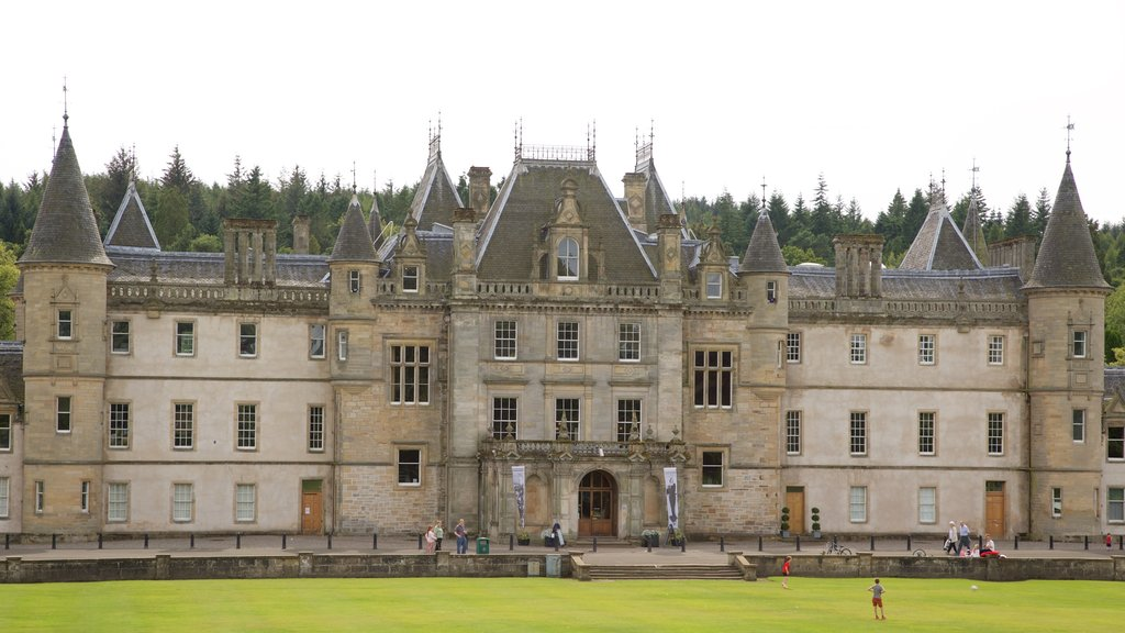 Callendar House which includes a castle and heritage elements