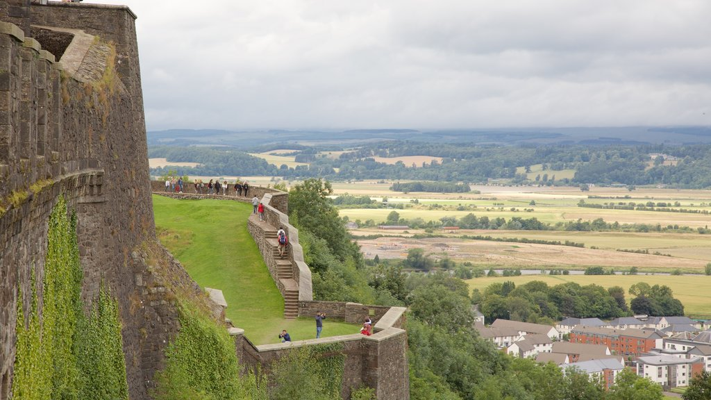 Stirling Castle which includes a castle and heritage elements