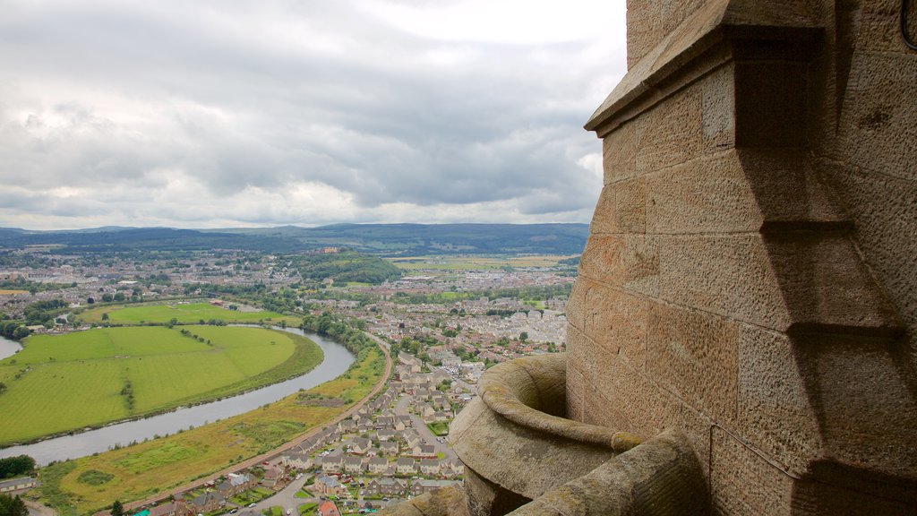 National Wallace Monument showing views and heritage elements