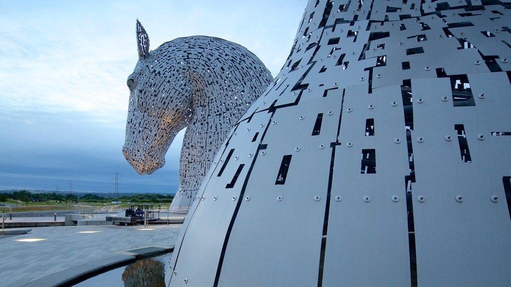 Grangemouth featuring outdoor art