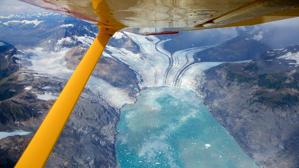 Parque estatal Chugach mostrando una aeronave, vistas generales de la costa y aeronave