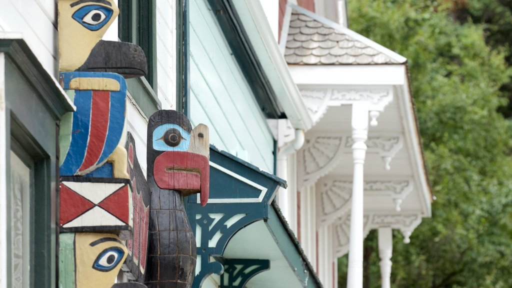 Skagway featuring outdoor art