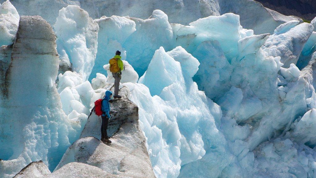 Seward mostrando alpinismo y nieve
