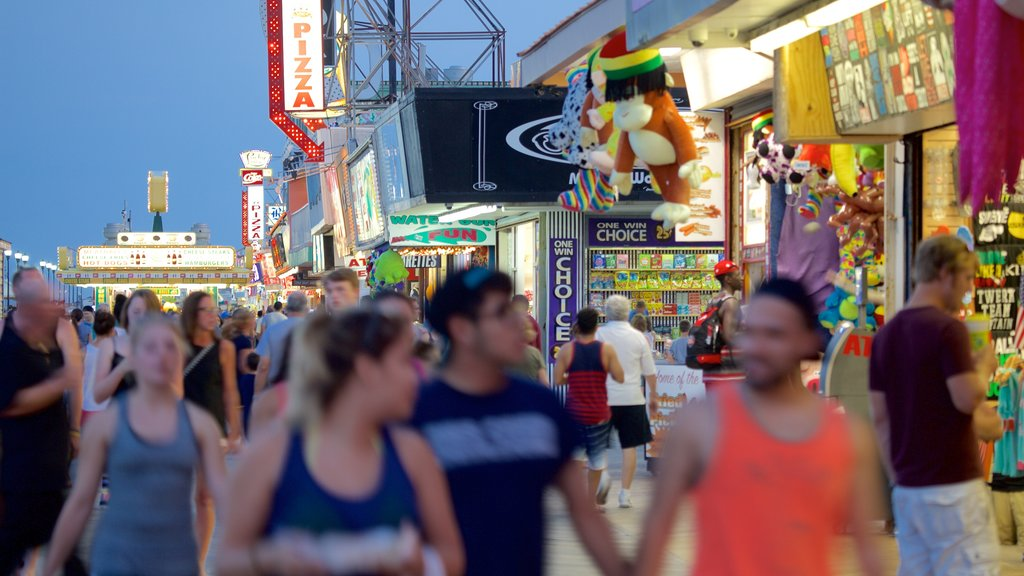 Seaside Heights showing shopping, signage and street scenes