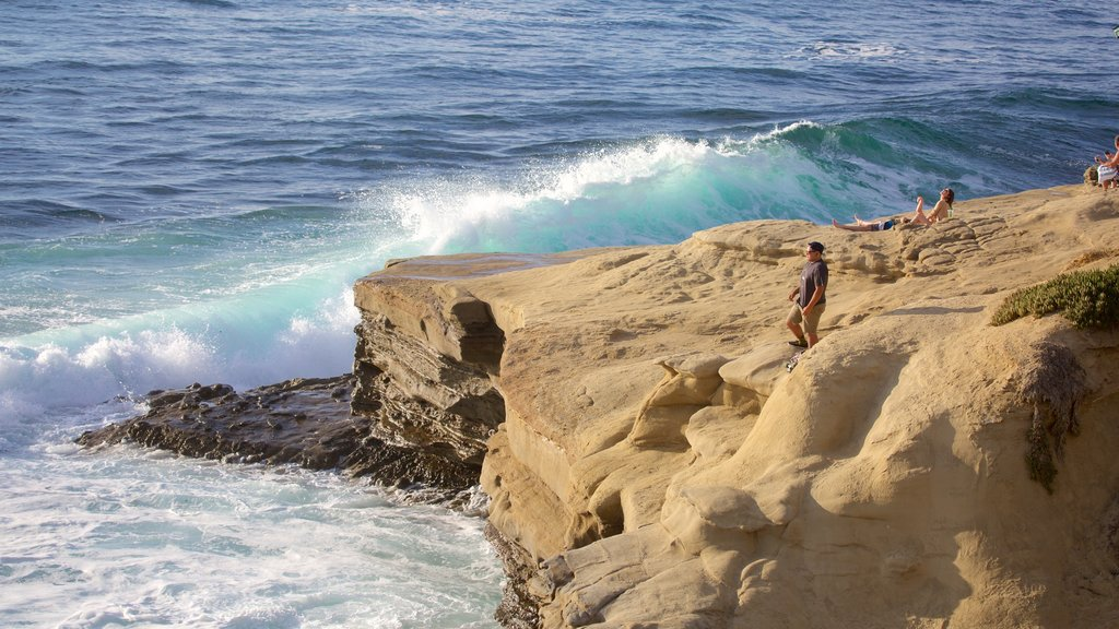 La Jolla Cove featuring general coastal views, waves and rugged coastline