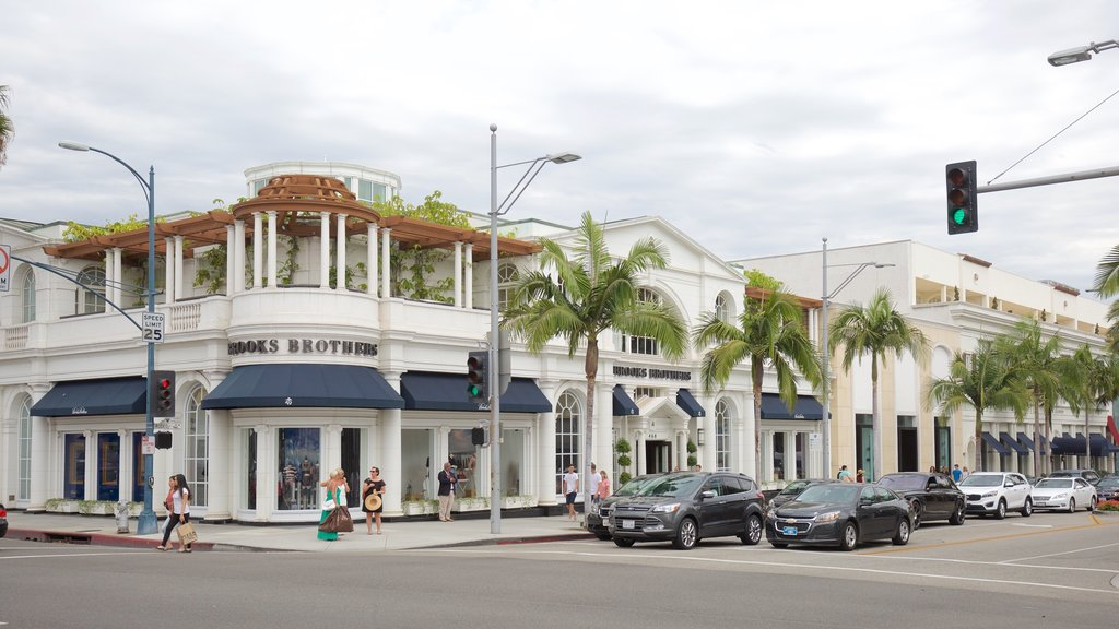 Rodeo Drive featuring street scenes