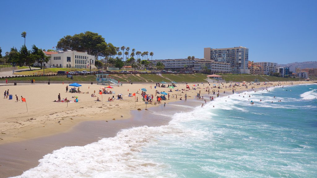 Redondo Beach showing a beach, swimming and a coastal town