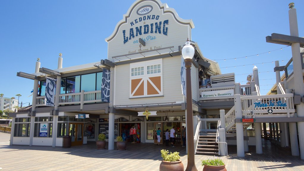 Redondo Beach ofreciendo señalización