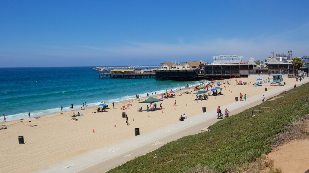 Redondo Beach showing a sandy beach and general coastal views