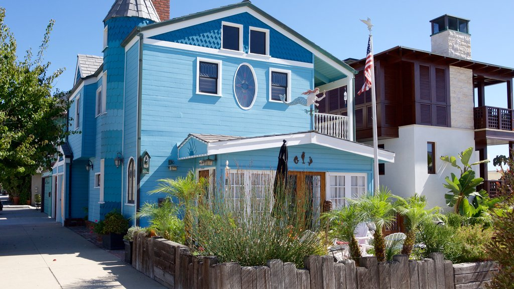 Manhattan Beach which includes a house