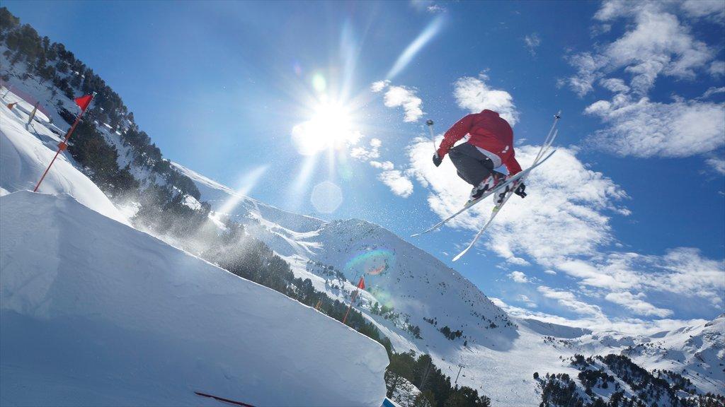 Encamp-Grandvalira Ski Area which includes snow skiing and snow