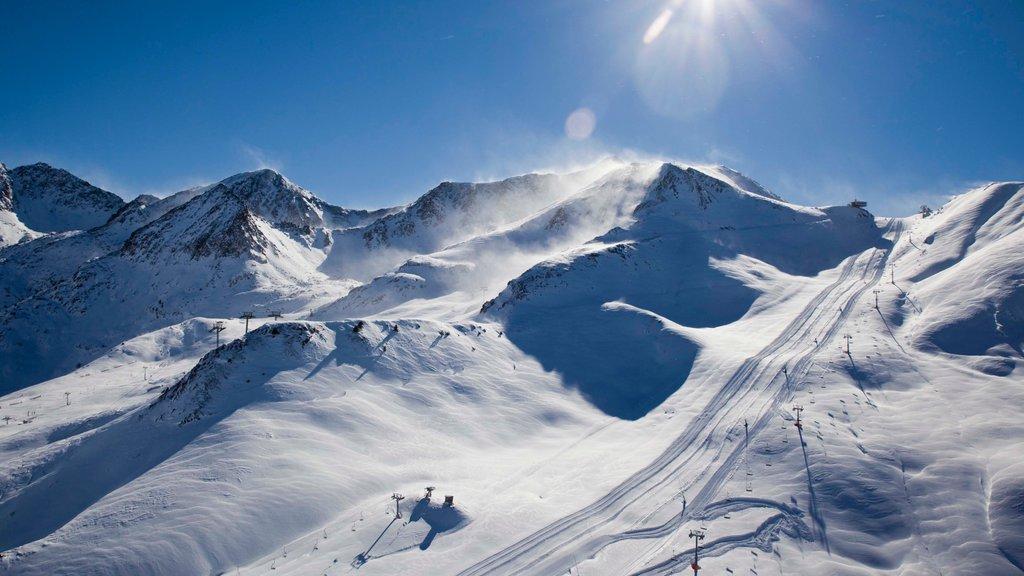 Encamp-Grandvalira Ski Area which includes snow and mountains