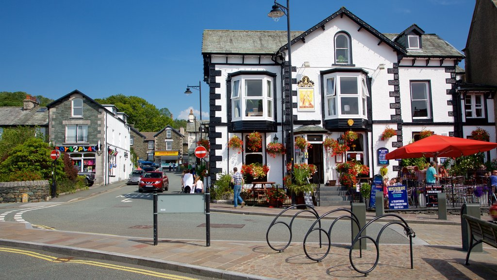 Windermere which includes street scenes, cafe lifestyle and heritage architecture
