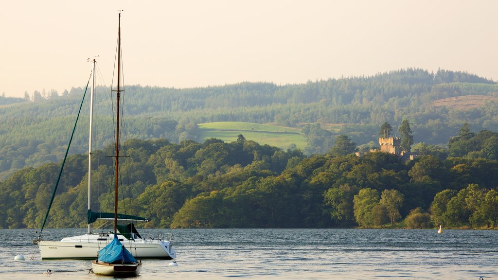 Ambleside showing a lake or waterhole and sailing