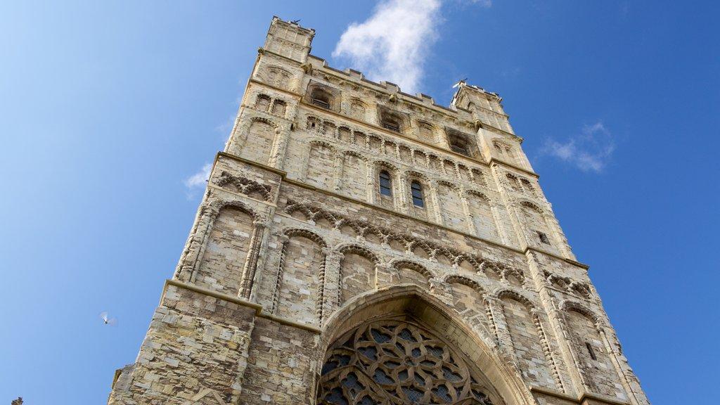 Catedral de Exeter ofreciendo patrimonio de arquitectura