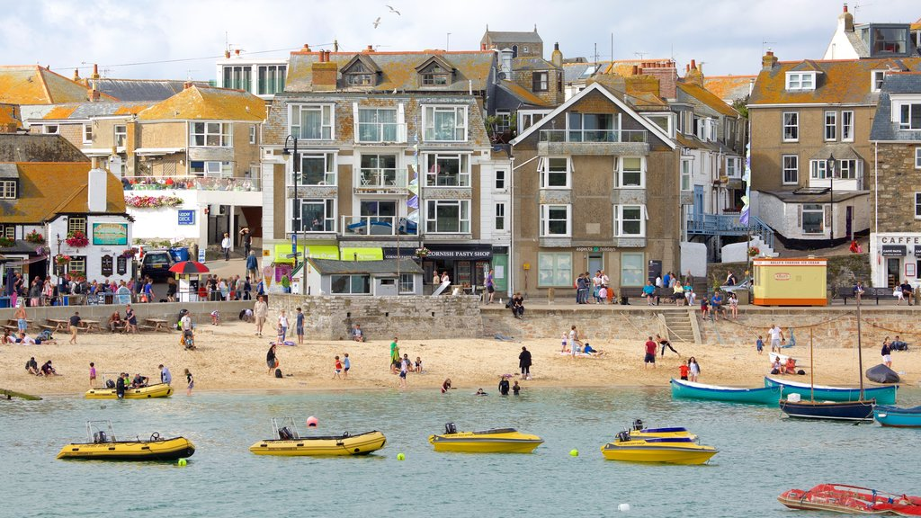 St Ives which includes boating, a sandy beach and a coastal town