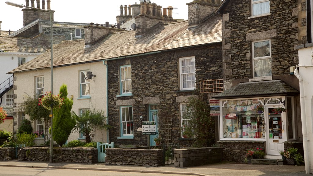 Windermere which includes street scenes and heritage architecture