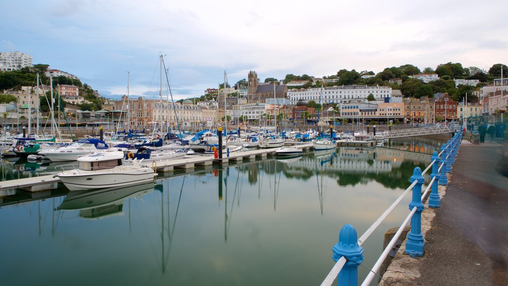 Torquay featuring a coastal town, a marina and boating