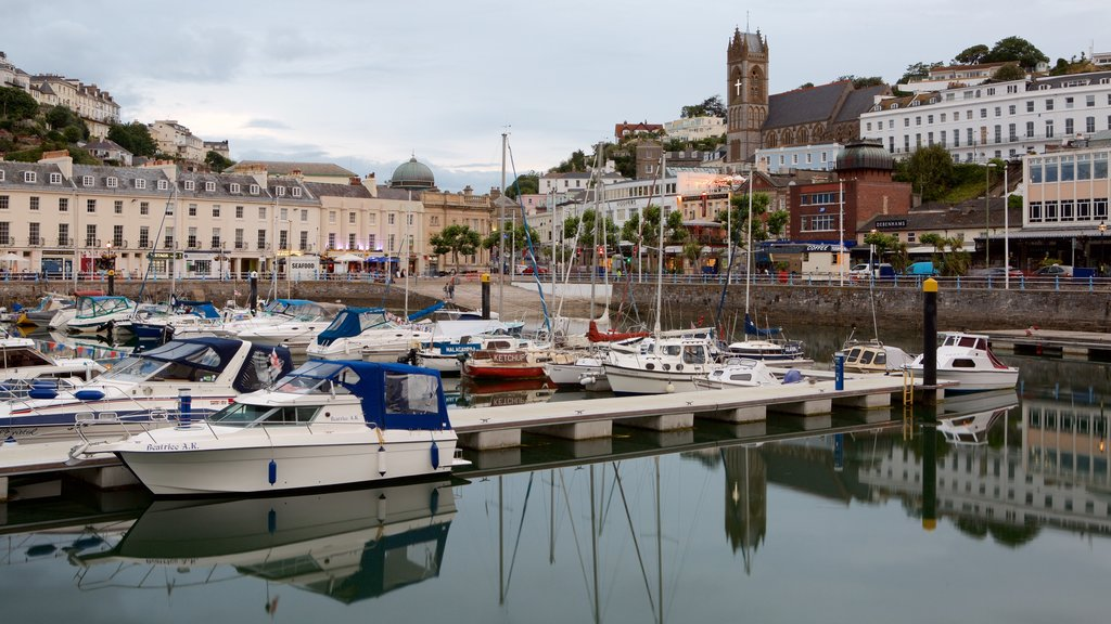 Torquay showing a marina, a coastal town and boating