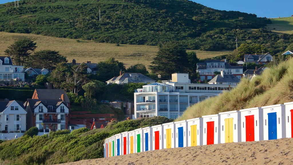 Woolacombe showing a sandy beach and a coastal town