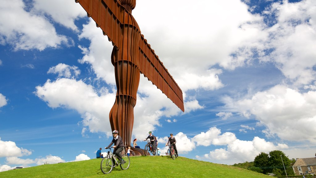 Angel of the North featuring outdoor art, cycling and a monument