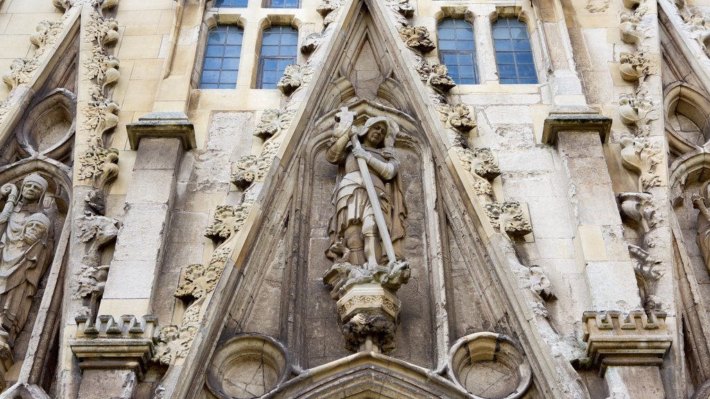Exeter Cathedral showing a church or cathedral, a statue or sculpture and religious aspects