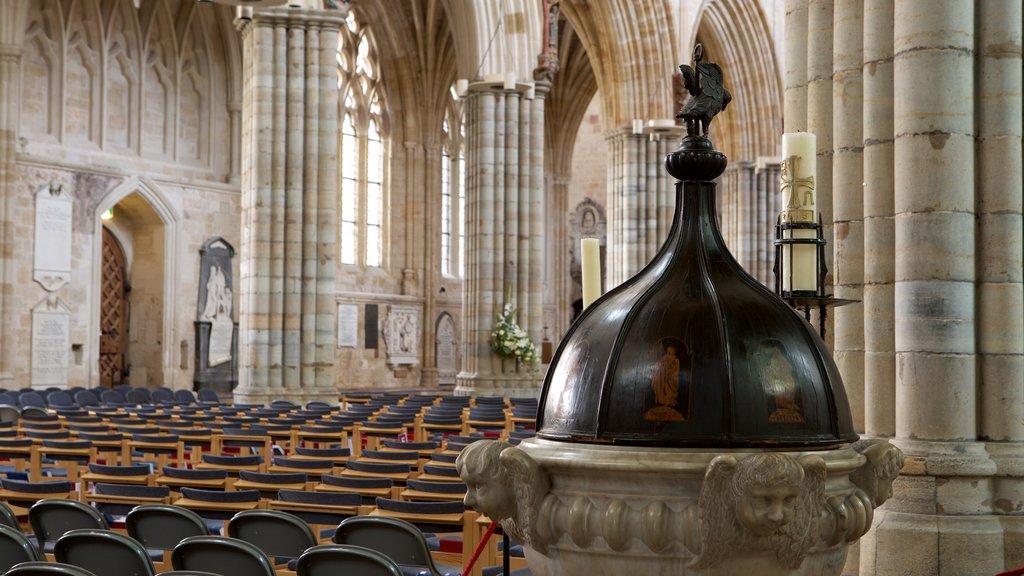 Catedral de Exeter ofreciendo elementos religiosos, vistas interiores y una iglesia o catedral