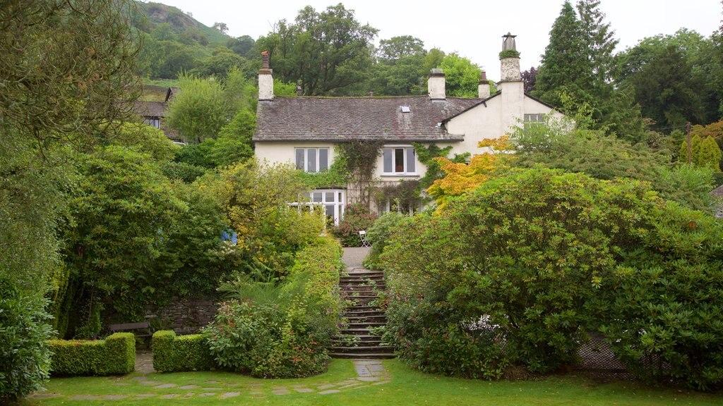 Rydal Mount ofreciendo un parque y una casa