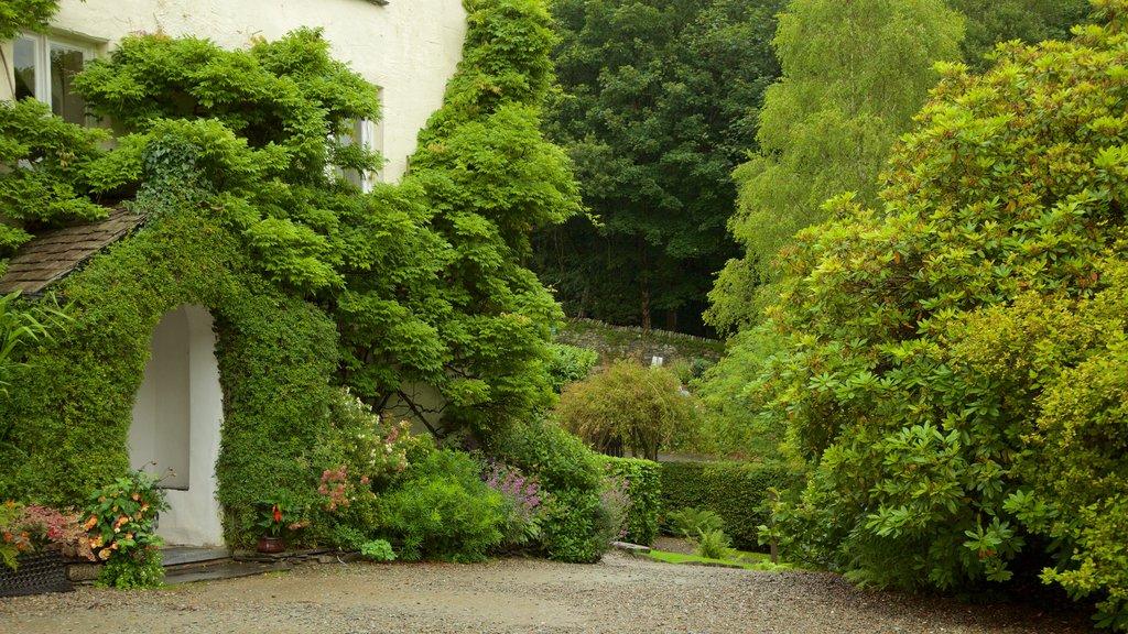 Rydal Mount mostrando un jardín