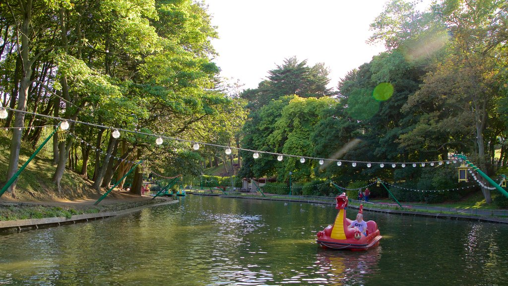 Peasholm Park featuring watersports, a river or creek and a garden