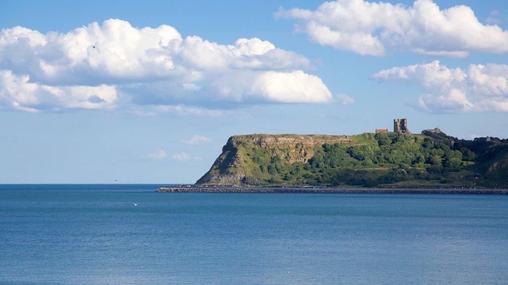 Playa de North Bay ofreciendo vistas generales de la costa y vistas de paisajes
