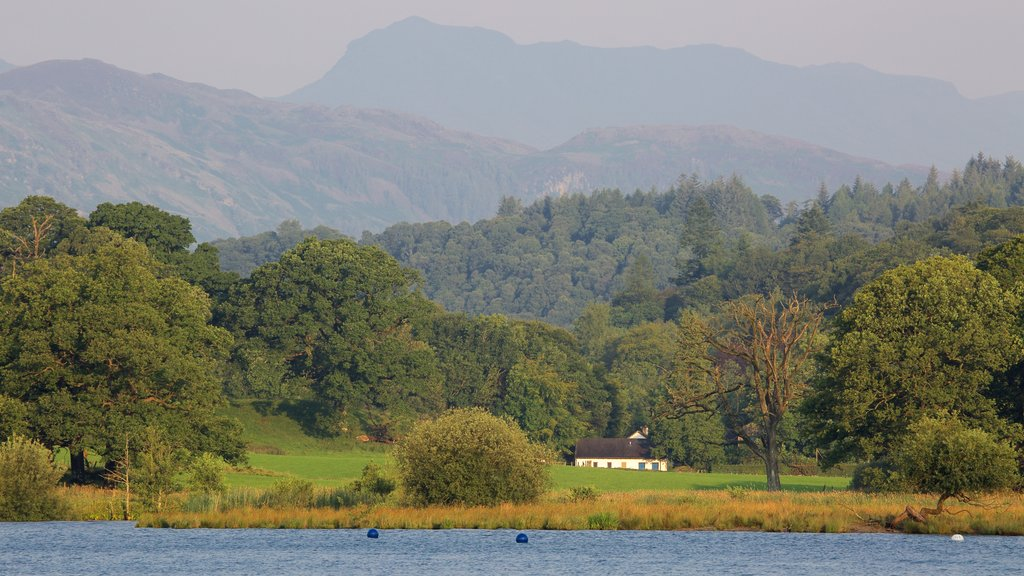 Ambleside featuring a lake or waterhole and mountains