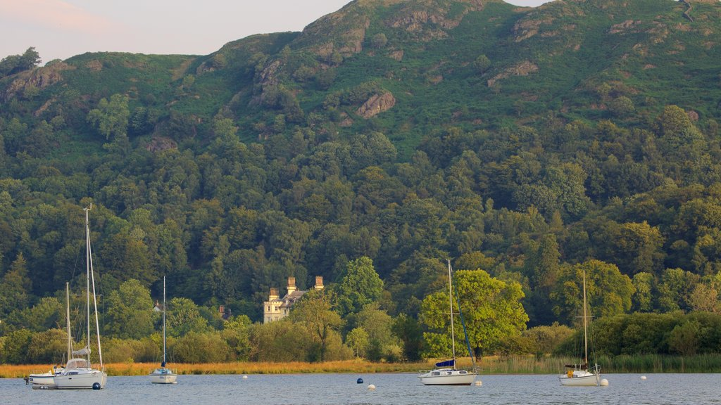 Ambleside which includes mountains, a lake or waterhole and boating