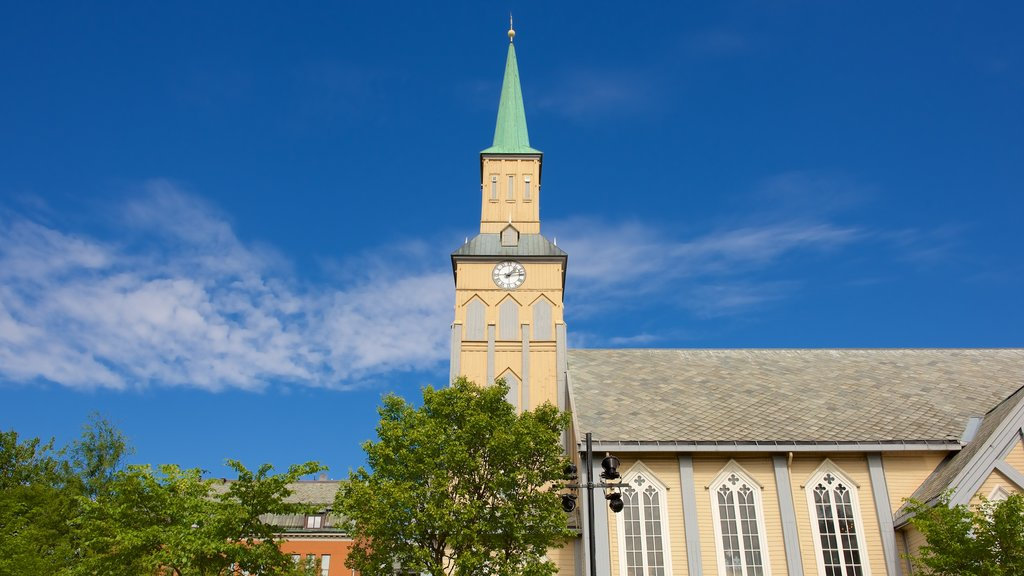Tromso Cathedral featuring a church or cathedral